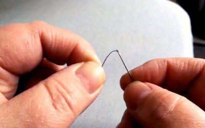Как продеть нитку в иголку без смачивания, приспособлений и лишней волокиты