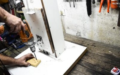 Простая стойка для дрели из ДСП и мебельных слайдеров